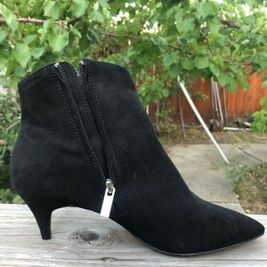 Qupid faux suede ankle kitten heel boots